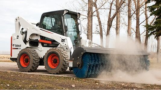云南山猫扫地机需要保养吗?